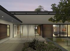 Buzz Courtyard - modern - exterior - austin - by A Parallel Architecture