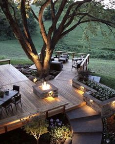 What do you think about this amazing outdoor space built around nature? Kurlbaum residence/ Cedar deck by ACS Concrete Construction Cozy Patio, Backyard Patio, Backyard Landscaping, Garden Decking Ideas, Deck Ideas On A Slope, Back Deck Ideas, Patio Ideas, Deck Design, Garden Design