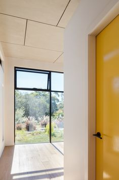 A Granny Flat Doesn't Need to Be a Caravan-Sized Blob in the Backyard Studios Architecture, Modern Architecture, Recycled Brick, Passive Design, Contemporary House Plans, Shed Homes, Granny Flat, Home Safes, Steel House