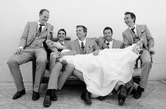 photo idea if i'm close with all the groomsmen