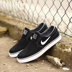 d2a7f6adf56747 nike janoski vs vans old skool   Come and stroll!