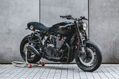 Yamaha XJR1300 cafe racer by deBolex Engineering
