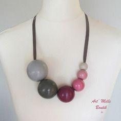 Collier perles en bois peinte à la main