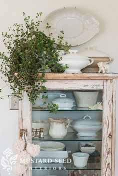Shabby Chic Bohemian Interiors - Sweet Home And Garden Shabby Chic Kitchen, Home Decor Kitchen, Shabby Chic Decor, Vintage Decor, Vibeke Design, Miss Mustard Seeds, Farmhouse Chic, White Farmhouse, Farmhouse Ideas