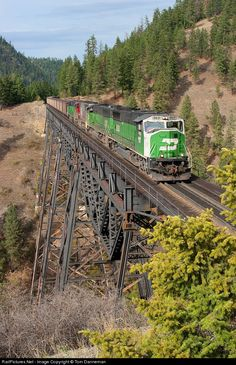 ** This bridge must be a lot stronger than it looks! Bnsf Railway, Train Truck, Ho Scale Trains, Burlington Northern, Train Pictures, Big Sky Country, Train Layouts, Train Travel, Model Trains