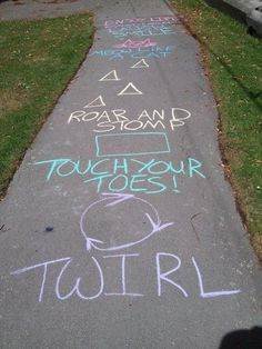 10 Sidewalk Chalk Ideas That'll Keep Kids Entertained for Hours - - It is without a doubt, one of our favorite childhood past-times. Sidewalk chalk is an inexpensive and fun way to liven up any summertime day! All it takes is a…. Summer Activities For Kids, Summer Kids, Toddler Activities, Fun Activities, Crafts For Kids, Food Art For Kids, Party Summer, Kids Diy, Toddler Crafts
