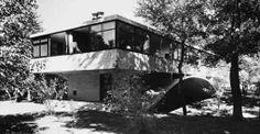 La Casa del Puente o Casa del Arroyo, obra residencial Moderna construida entre 1943 y 1945 en Mar del Plata por Amancio Williams,  Argentina