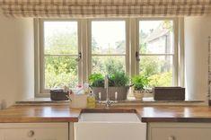 border oak kitchens - Google Search Border Oak, Home Remodeling, Snug, Home And Garden, Cottage, Windows, Oak Kitchens, Country, Luxury