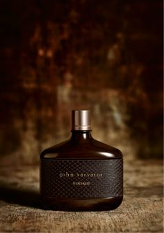 John Varvatos Vintage is distinctly unique with a rugged authenticity and enduring appeal. It is comprised of a sensuous and masculine composition of the aromatic chypre family with an assertive spice core and a warm, leathery background. Best Sparkling Wine, Clean Perfume, Versace Bright Crystal, Fragrance Online, Best Fragrances, John Varvatos, Smell Good, Bath And Body, Perfume Bottles