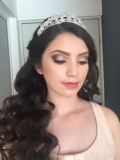 Quinceañera Maquillaje, Maquillaje Social, Maquillaje Fiesta, Maquillajes  Para 15, Peinados Para Quinceaños