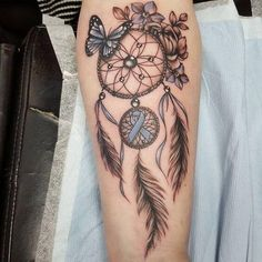 Getting a tattoo is a great way to help make it through the long and arduous grieving process. Honestly, it never really ends….but it does get better, believe it or not. The dream catcher can also offer tremendous spiritual comfort that´s palpable. What an interesting take on the memorial tattoo. #tattoofriday #tattoos #tattooart #tattoodesign #tattooidea
