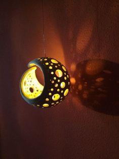 Latest No Cost Ceramics art lamp Ideas Lampe – Firefly / Anbieter Waren Fler. Ceramic Clay, Ceramic Painting, Ceramic Pottery, Diy Clay, Clay Crafts, Ceramics Projects, Clay Art Projects, Cerámica Ideas, Ceramic Lantern