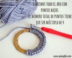 Crochet Rings, Diy Crochet, Crochet Earrings Pattern, Crochet Necklace, Crochet Stitches, Crochet Patterns, Crochet Christmas Decorations, Crochet Circles, Fabric Jewelry
