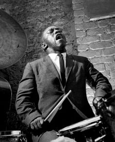 Art Blakley © Herman Leonard With the Jazz Messengers ,I love ! ! Giant ! food for eyes and...ears