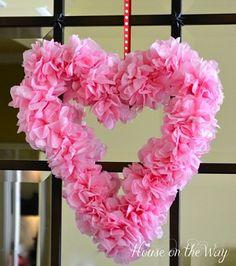 manualidades+Valentine   Manualidades de San Valentín ; para colgar la corona puedes utilizar ...