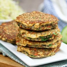 thehealthyfoodie: Cauliflower Fritters Gluten Free, Grain Free, Vegetarian, Paleo Friendly, Low Fat and Low carb Veggie Recipes, Low Carb Recipes, Real Food Recipes, Diet Recipes, Vegetarian Recipes, Cooking Recipes, Yummy Food, Healthy Recipes, Ovo Vegetarian