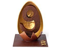 A la Mère de Famille Chocolate Gold, Easter Chocolate, Chocolates, Lenotre, Chocolate Sculptures, Cacao Beans, Cocoa Butter, Food Art, Easter Eggs