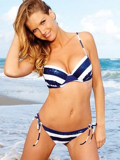 This push-up bikini top is set to stun with cleavage boosting underwire cups.