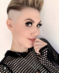 There is Somthing special about women with Short hair styles. I'm a big fan of Pixie cuts and buzzed cuts. Enjoy the many different styles. Buzz Cut Women, Short Hair Cuts For Women, Short Hairstyles For Women, Edgy Haircuts, Undercut Hairstyles, Unique Hairstyles, Shaved Pixie, Shaved Hair, Half Shaved