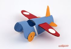 aviao feito com rolo de papel higienico 1