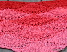 Ma version du châle Aranami - SpirouBobine Knitting Paterns, Lace Knitting, Shawl, Blanket, Bonnets, Point, Long Scarf, Scarves, Rugs
