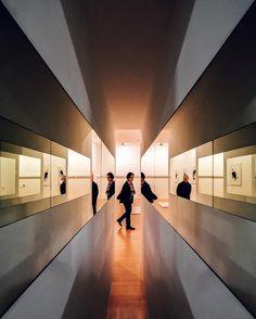 Crossed glances | Miradas cruzadas #nicanorgarcia #architecture #onlylyon #lyonarttrip #inrhonealpes #yokoonolyon #maclyon by nicanorgarcia