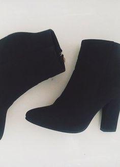 Kup mój przedmiot na #vintedpl http://www.vinted.pl/damskie-obuwie/na-wysokim-obcasie/18059769-botki-buty-slupek-czarne-3637