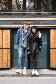 Seoul Street couple style - white sneakers  JUNG SING JUN (25) & OH HYE RIM (21)
