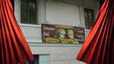 Ein fantastischer Nachmittag im Ernst Fuchs Museum in Hütteldorf. Was für eine liebe Anekdote, dass Ernst Fuchs schon als Kind, damals ein Ottakringer Bub aus ärmlichen Verhältnissen, seiner Mutter versprochen hat, ihr die wunderbare Otto Wagner Villa einmal zu kaufen, wenn er groß ist. Das hat er dann auch gemacht und mit seinen Künsten vermischt. Ein fantastischer Realist. Im Leben wie in der Kunst. Beneidenswert.  A fantastic afternoon in the Ernst Fuchs Museum in Hütteldorf in Vienna…