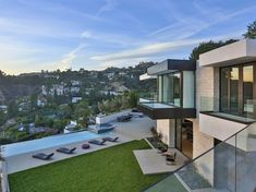 Contemporary architectural house on Sunset Strip 02