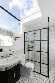 The best loft conversion ideas alleviate space pressure on the rest of the house and improve circulation. Here are some practical solutions for your loft Bathroom Windows, Attic Bathroom, Ensuite Bathrooms, Dream Bathrooms, Beautiful Bathrooms, Small Bathroom, Bathroom Feature Wall, Bathroom Marble, Marble Tiles