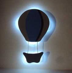 Balão com iluminação de luz de led para paredes.    *** Importante: ***  Peça entregue com pintura solida o cliente escolhe as cores, fazendo pedido precisa nos avisar quais as cores escolhidas, caso compre e não entre em contato prevalece as cores da foto.    Equipada com luzes de led especial b...
