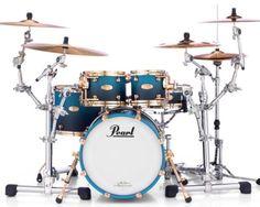 Pearl Drum Kit, Pearl Drums, Drums Studio, Christian Metal, Easy Guitar, How To Play Drums, Dope Music, Drum Kits, Playing Guitar