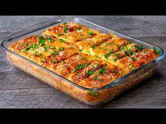 Ingrédients simples et bon marché pour une recette de tarte DÉLICIEUSE  Cookrate - France - YouTube Feta, Bolognese, Pastel, Queso, Quiche, Zucchini, Deserts, Good Food, Food And Drink
