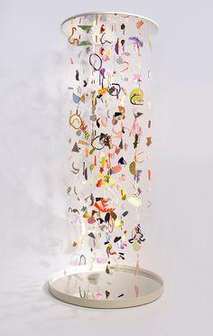 Suspended Confetti A collaborative project by CHIAOZZA x Studio Proba Mixed media installation 4 x 4 x 2016 Suspended Confetti is a hanging sculptural 'infinity-column' created by Terri Chiao and Adam Frezza of CHIAOZZA in colla. Mobile Sculpture, Sculpture Art, Mobiles Art, Instalation Art, Arte Sketchbook, Kinetic Art, Art Abstrait, Art Plastique, Teaching Art