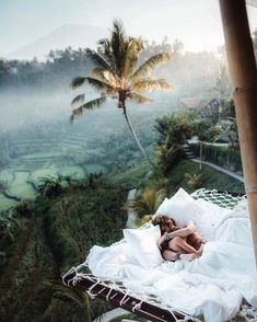 Sunrise snuggles at the tree house in Bali🖤🇮🇩 Who would you wake up with? Photo by chelsea kauai Source by thucldnguyen. Bali Travel, Luxury Travel, Hawaii Travel, Travel Europe, Vacation Places, Dream Vacations, Italy Vacation, Vacation Spots, Photos Amsterdam