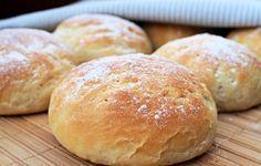 Aina ei ole käytössä hapanjuurta kun haluaa leipää jossa on vähän happamuutta. Silloin voi käyttää korvikkeena rahkaa (tai rahkajogurttia). Ei…