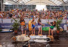 Champagnerdusche für die Finalistinnen: Kathrin Gappmayr, Karina Rankine, Steffi Pirron und Angelina Schülting