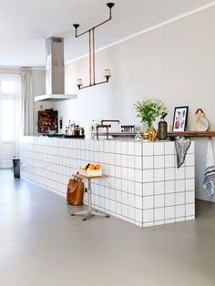 29 Awesome Urban Industrial Decor ideas To Accent Your Urban Apartment Cafe Interior, Kitchen Interior, Kitchen Decor, Kitchen Styling, Kitchen Backsplash, Interior Design, French Industrial Decor, Urban Industrial, Industrial Apartment