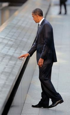 Obama Pays Respects at 9/11 Memorial in New York