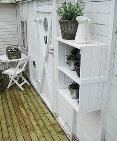 wooden crates vintage boxes,adorable and so clean looking painted white Outdoor Rooms, Outdoor Living, Outdoor Decor, Outdoor Art, White Hanging Shelves, Is White A Color, Shabby Chic Office, Cottage Porch, Back Patio