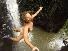 30 Awesomely Extreme Selfies. Would You Take Them? Photo