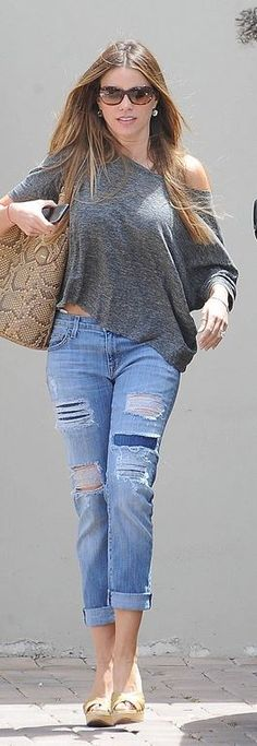 Sofía Vergara: Sunglasses – Tom Ford Purse – Bally Shoes – Jimmy Choo Jeans – Current/Elliott