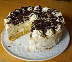 Windbeuteltorte mit Nußboden und Baileys-Sahne – Rezept Cream puff cake with Nu boden and Baileys cream Cheesecake Recipes, Cupcake Recipes, Baking Recipes, Cookie Recipes, Dessert Recipes, Cheesecake Cookies, Cream Puff Cakes, Cake & Co, Food Cakes