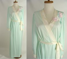 $28.88 As-Is vintage 80s Lorraine Mint Green Long Robe w/ Satin Floral Applique or Customizable Walking Dead Zombie Costume OPTIONAL BLOOD ~ Size M by wardrobetheglobe on Etsy