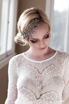 SALE Whimsical Bridal Headpiece with Rhinestone por veiledbeauty, $139.00