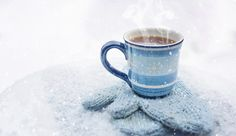 Find benefits of Black Spruce essential oil and blends that could help you deal with winter associated diseases like fatigue or a low immune defense. Blue Christmas, Winter Christmas, Ayurveda, Good Morning Monday Images, Farm House Colors, Winter Drinks, Winter Food, Winter Colors, Hot Coffee