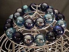 Perpetuum mobile rolling ball sculpture - YouTube
