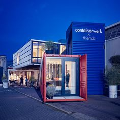 Containerwerk showcases solution for building with shipping containers Container Home Designs, Container Office, Container Shop, Container Cabin, Cargo Container, Building A Container Home, Container Buildings, Container Architecture, Architecture Design