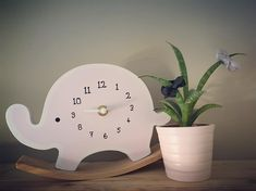 van Haarspeldjes.com  #babyroze #bows #grey #black #elephant #clock #zara #cactus #plant #babybedroom #bedroom #accesoires #girlsroom #girlsdecor #fenna
